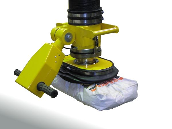Vacuum lifter for sacks with pivoting twist grip controls and free swivel