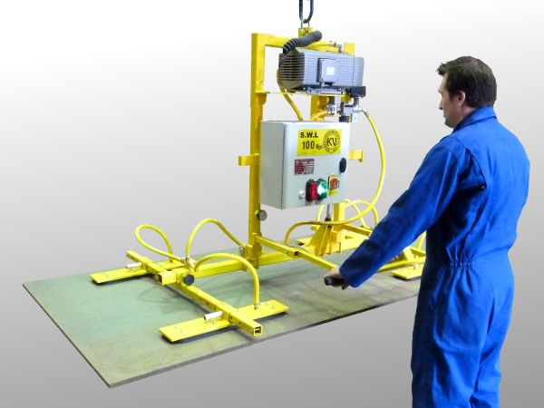 Tilting board vacuum lifting beam designed to inspect plywood and melamine boards.